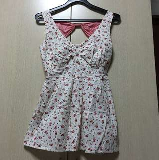 Small floral cotton top