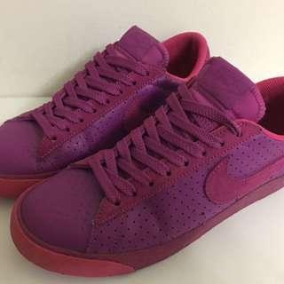 NIKE 紫紅色 球鞋