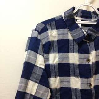 深藍格紋襯衫