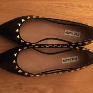 Steve Madden flat black leather shoes with gold studs