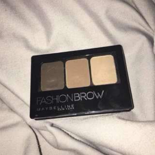 Maybelline Fashion Brow (3D eyebrow & Nose Contour Palette)