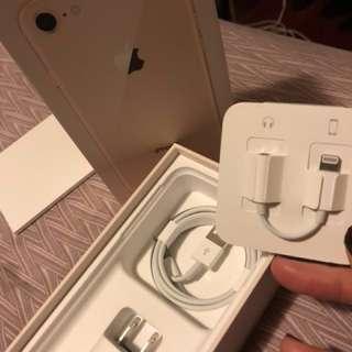 🚚 iPhone 8 原廠配件