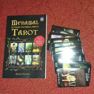 Kartu Tarot dan Buku Panduan Membaca Tarot