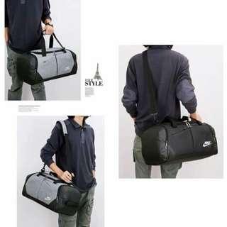 N I K E TRAVELING BAG