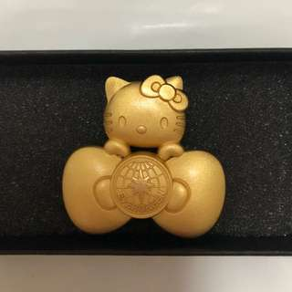 Hello kitty x Eva air cabin crew pin