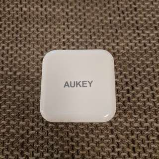 Aukey Dual USB travel USA charger w/ Quick Charge