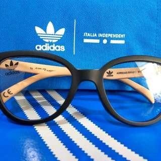 Adidas new original by italia independent