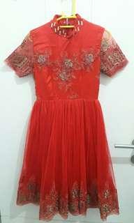 Red Brokat Dress