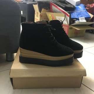 正韓黑色厚底短靴