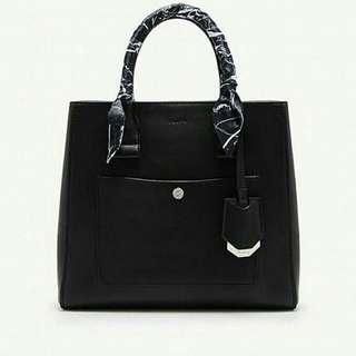 Pedro front pocket bag with scarf