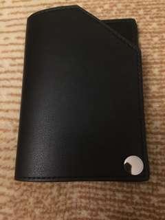 Dompet/tempat kartu hitam Miniso