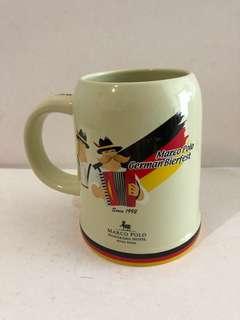 2000年前的,馬可孛羅香港酒店德國啤酒節酒杯(1). 每個年份都有不同的杯,不會重覆的。