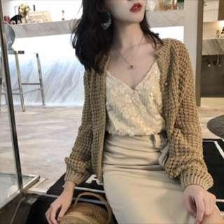 氣質鏤空針織珍珠釦寬袖縮口罩衫外套