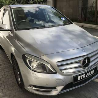 Mercedes B200 km 62.000 Model 2013 all service done