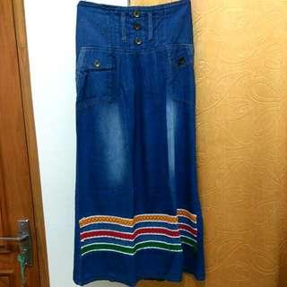 Rok jeans panjang motif