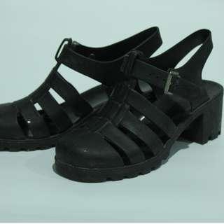 D05 Wedges Black