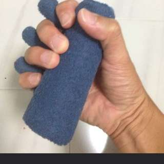 Hand therapy tool