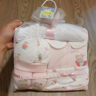 Brand new in packaging Benbeni baby girl pink layette set newborn 0-3M