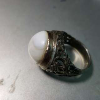 Coconut Pearl in silver ring and suasa tip.