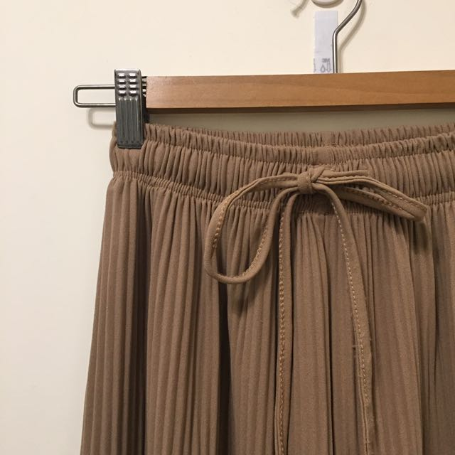 駝色直摺痕寬褲