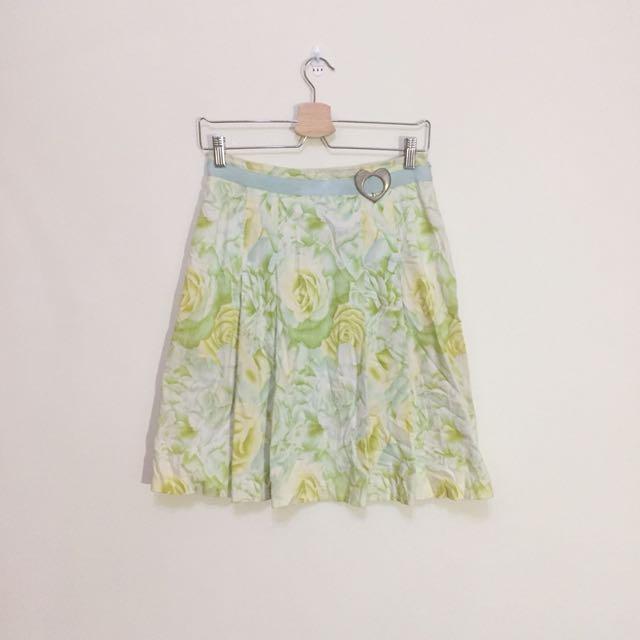 清新綠色及膝裙