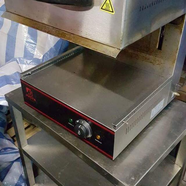 上下 烘烤機  售2500元 代客call gogo van 貨品在屯門倉  歡迎參觀選購  有意請whatsapp 56868681