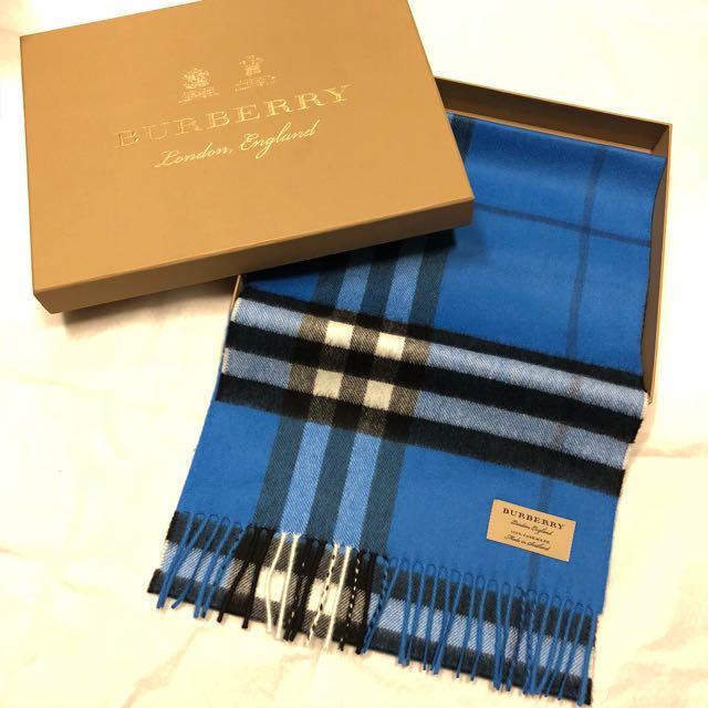 正全新BURBERRY100%喀什米爾羊毛圍巾藍色(配風衣超美)