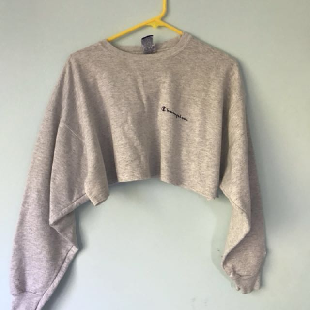 Cropped champion jumper