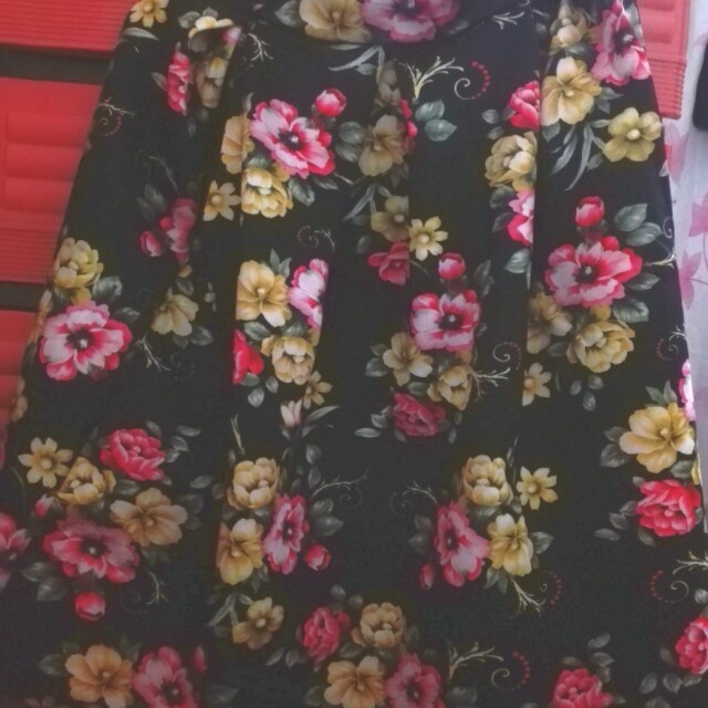 Floral skirt used once