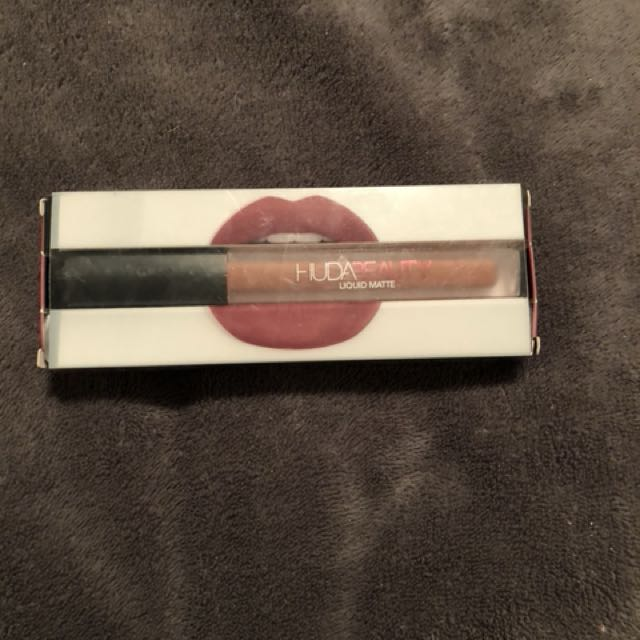 Huda Beauty liquid lipstick