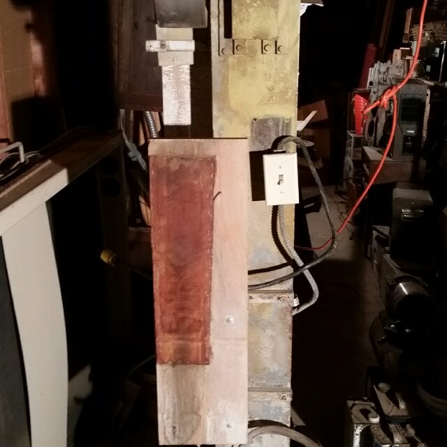 INDUSTRIAL VERTICAL SANDER