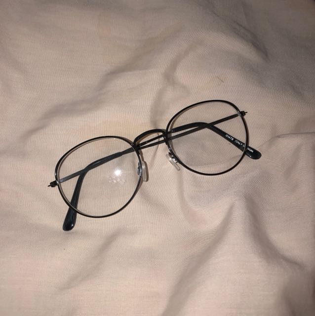 Kacamata Vintage 🧐