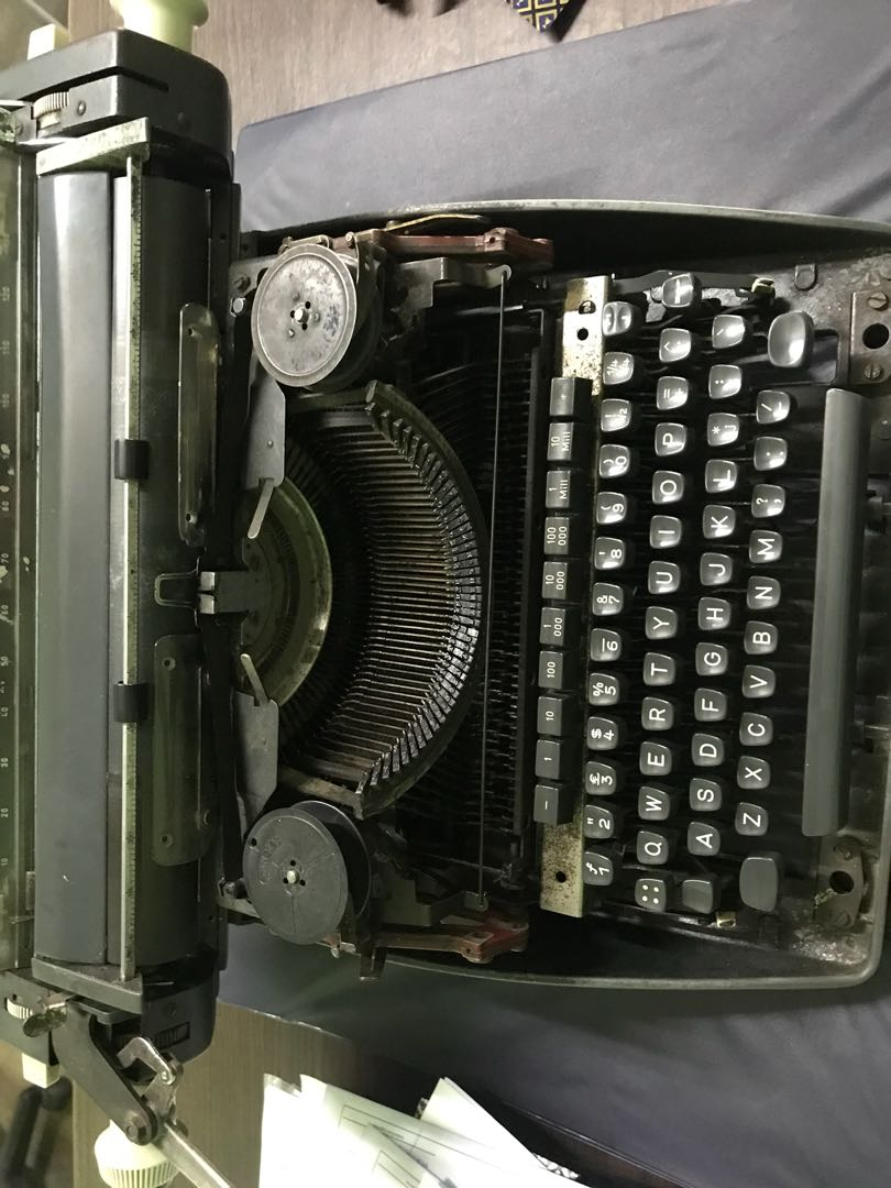 LOOKING FOR: Olympia typewriter cover