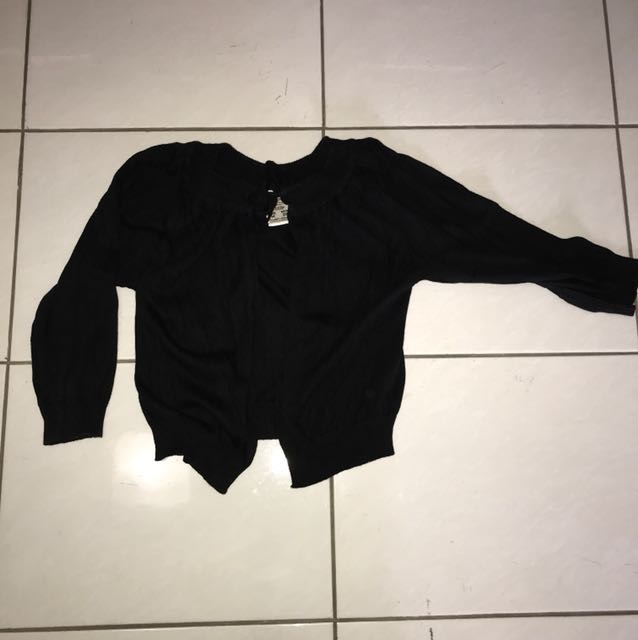 Outer Hitam Pull and Bear
