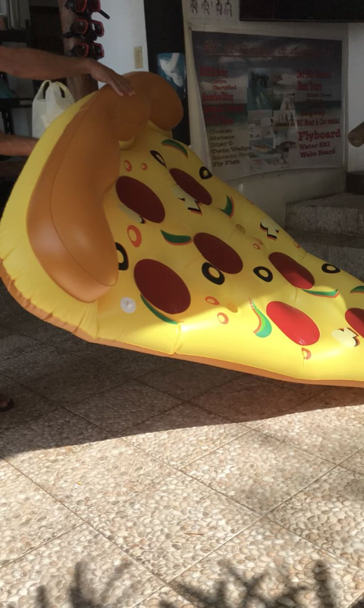 Pizza floater with pump