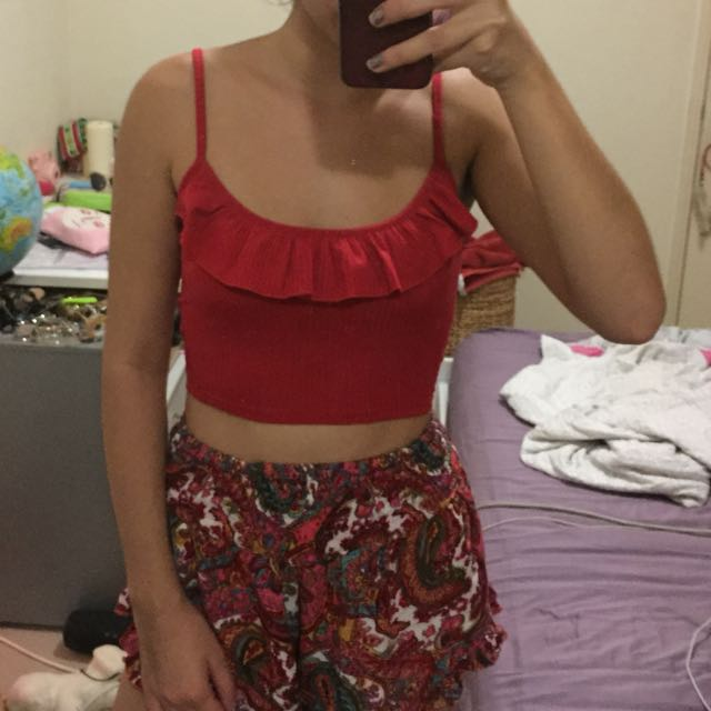 red ribbed crop top with front frill