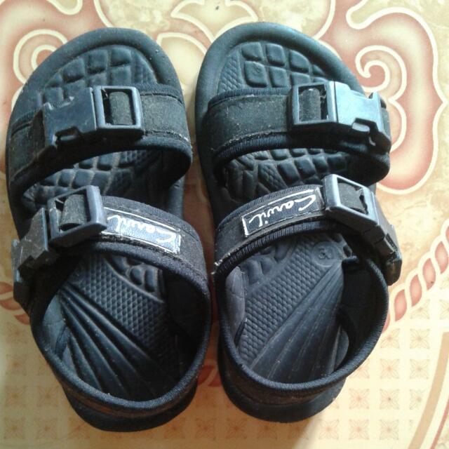 Sepatu Anak.