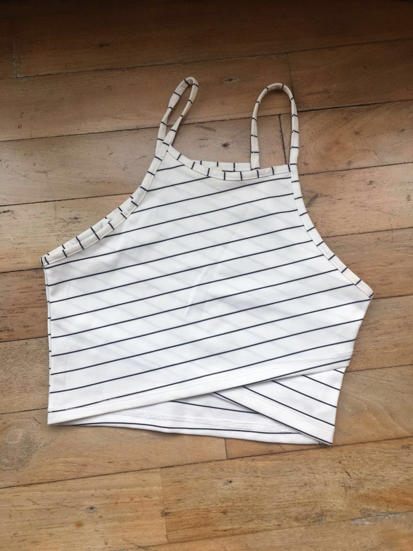 SHOWPO Croptop in White