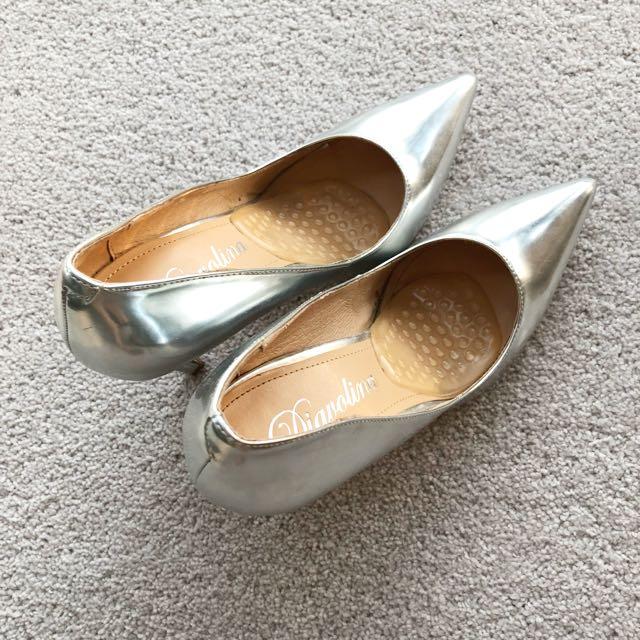 Sliver high heels