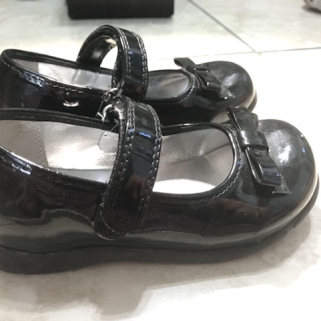 Toddler black shoes from the children's place