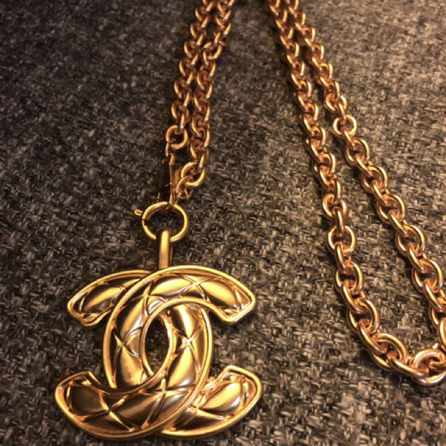 Vintage Coco Chanel jumbo quilted long necklace