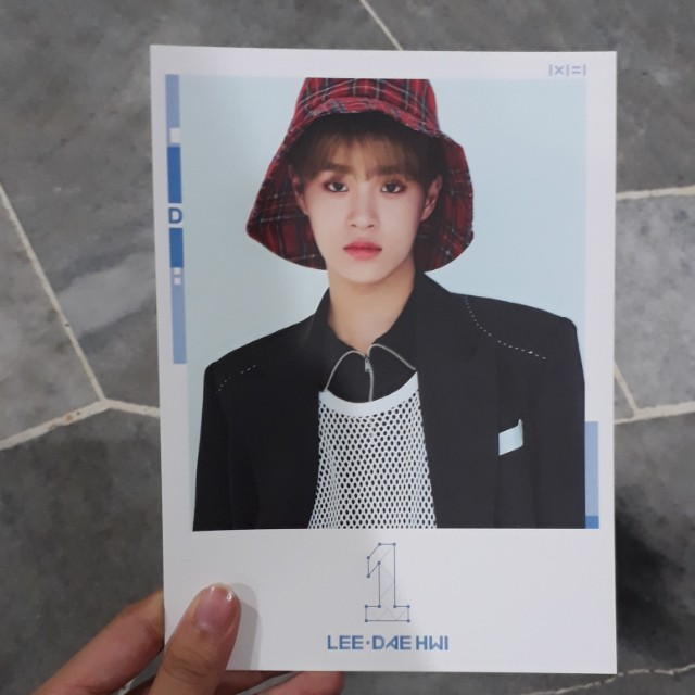 WANNA ONE OFFICIAL DAEHWI POSTCARD