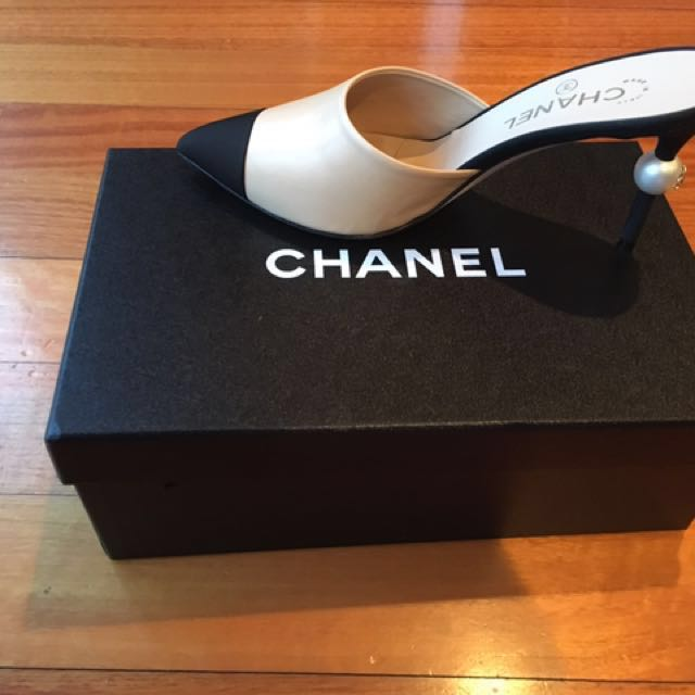 WEEKEND SALE - BNIB 2016 Chanel Beige Leather Mule Shoes withBig Pearl Heels, Size 38.5