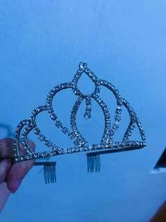 Tiara/crown
