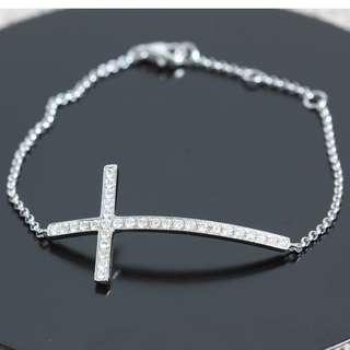 18K白金十字架鑽石手鏈
