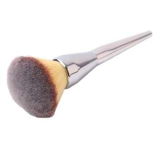 💄 Kabuki Silver Buffing Pressed Powder Contour Bronzer Foundation Concealer Setting Powder Blending Brush