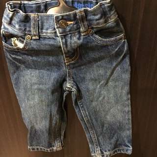 Carter pre loved pants for 6 to 1 1/2 yrs old. Wear only once.