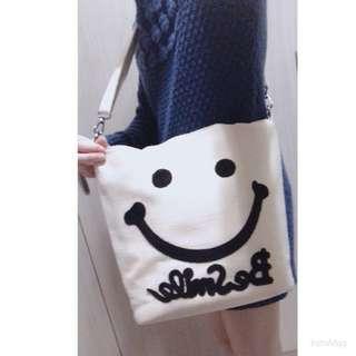 🚚 微笑藤編包