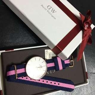 正品DW 粉藍錶帶手錶全新有吊牌有盒(朋友送)