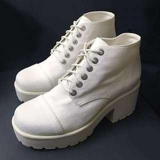 VAGABOND White Ankle Platform Boots